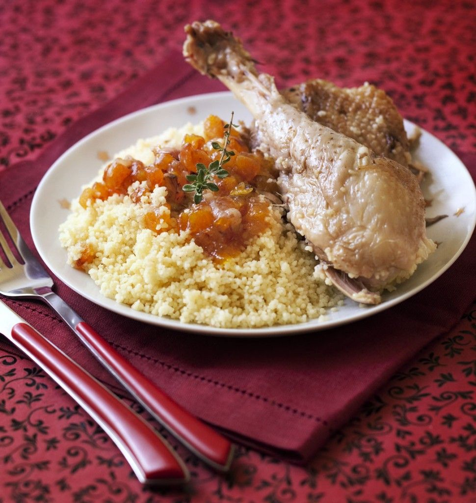 Tajine de poulet aux abricots secs, miel et cannelle - Recettes de cuisine Ôdélices