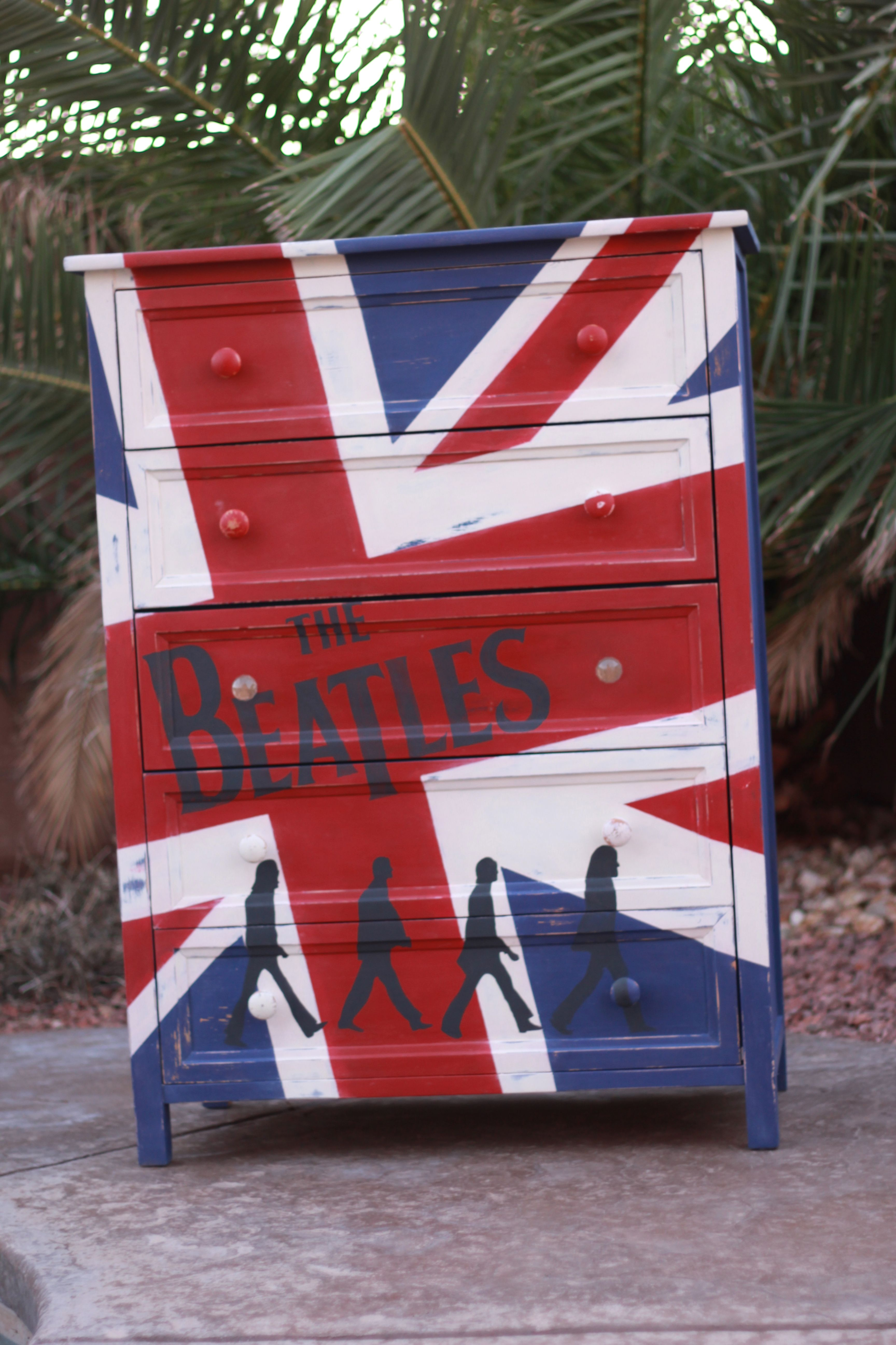 one of a kind beatles dresser painted with bb fr sch chalk. Black Bedroom Furniture Sets. Home Design Ideas