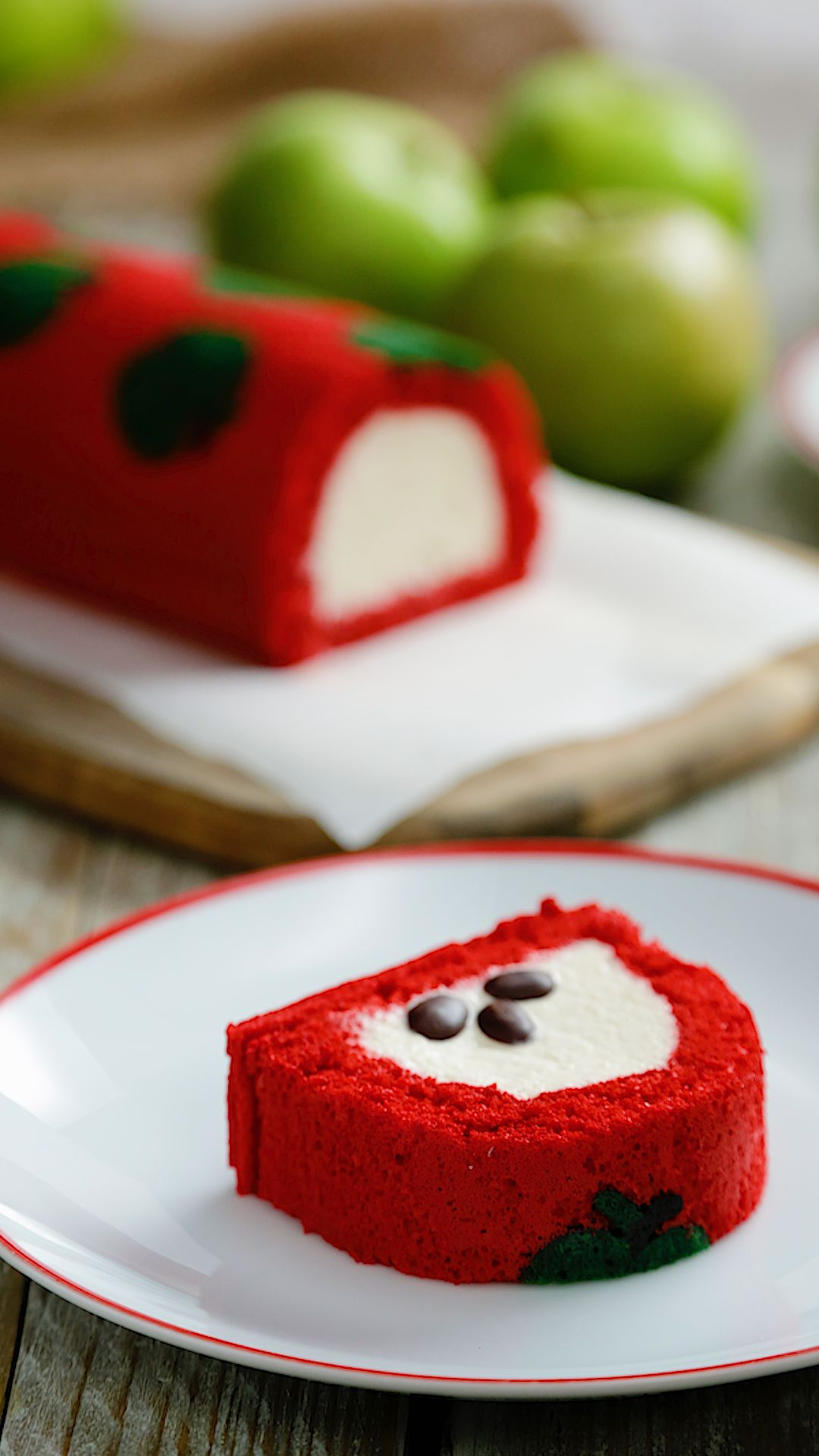 Photo of Apple Log Cake