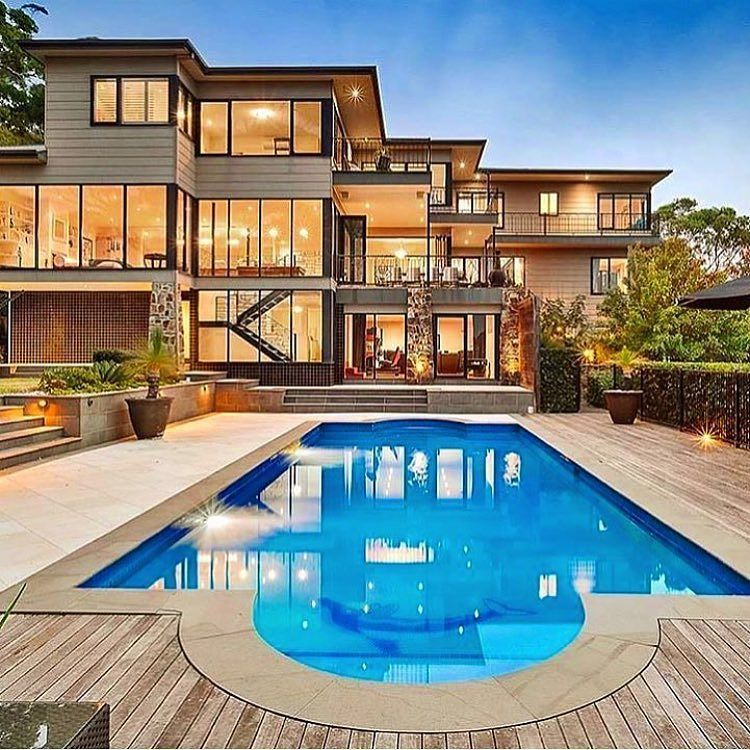 Modern mansion with pool via luxclubboutique life is for Huge modern mansion