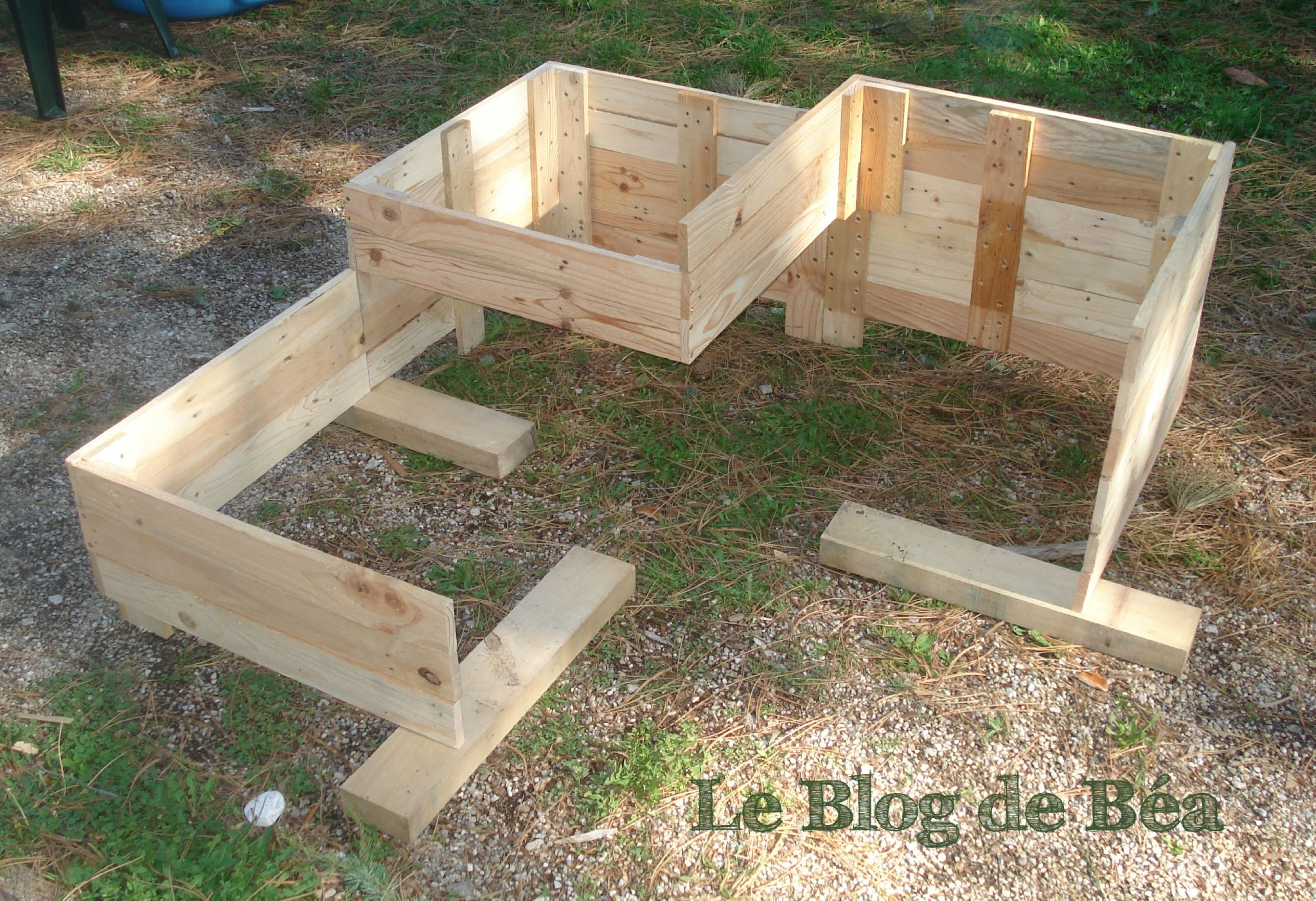 diy carr potager en bois de palette le blog de b a deco jardin. Black Bedroom Furniture Sets. Home Design Ideas