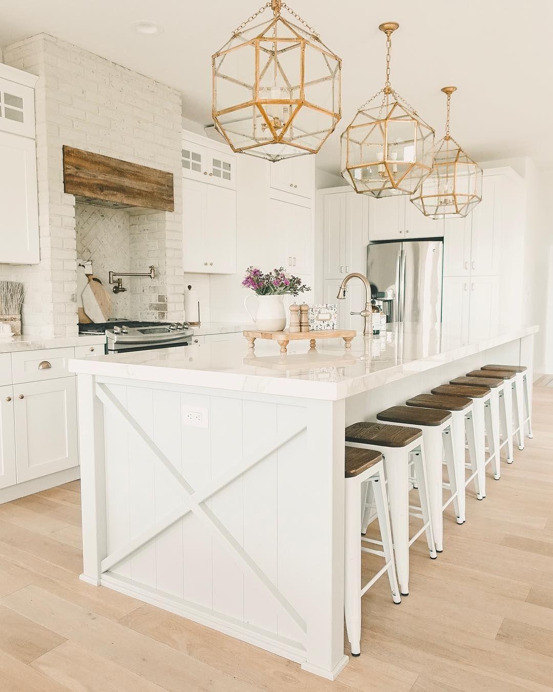 White Brass Farmhouse Kitchen Brick Kitchen Hood Light Wood Floors Brass Light Fixtures Kitche Trendy Farmhouse Kitchen Kitchen Interior Home Decor Kitchen