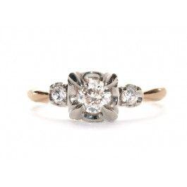 loving this 19401950s round brilliant engagement ring http
