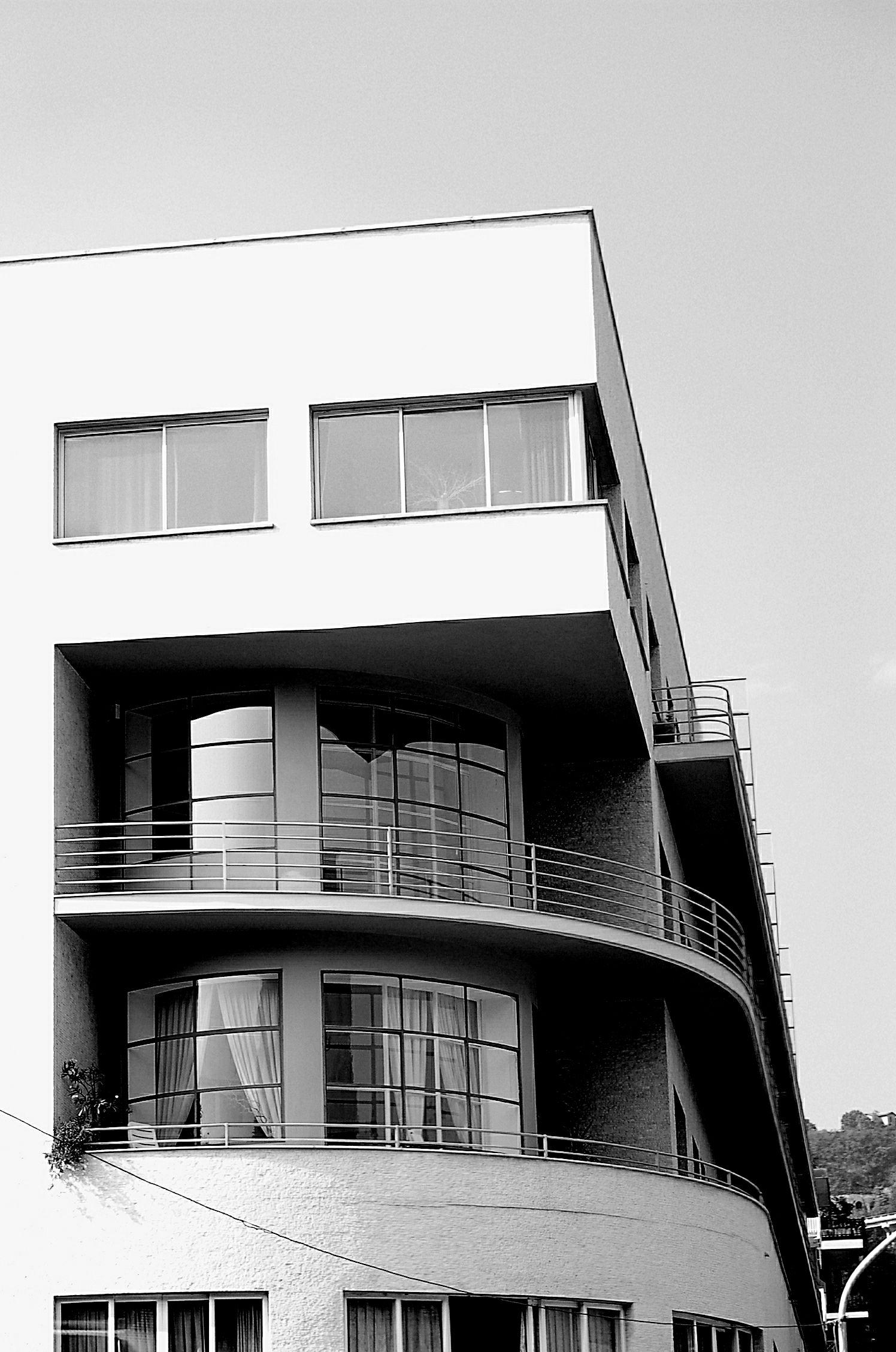 Edificio novocomun giuseppe terragni architettura for Architettura ville moderne