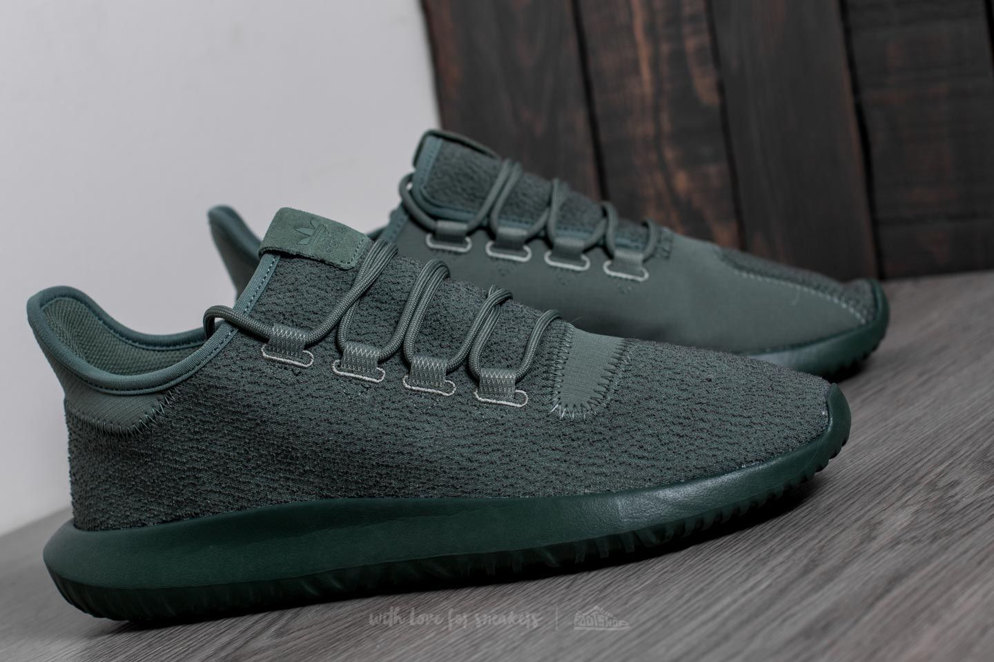 save off 23d3c 2b64a adidas Tubular Shadow Trace Green  Trace Green  Tactile Yellow at a great  price 73 € buy at Footshop
