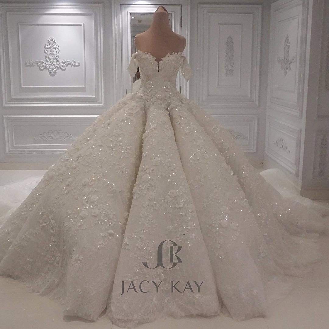 Every Girl Deserves The Best In Her Big Day Here S The Lovely Wedding Dress Made You Loo Ball Gown Wedding Dress Funky Wedding Dresses Puffy Wedding Dresses [ 1080 x 1080 Pixel ]