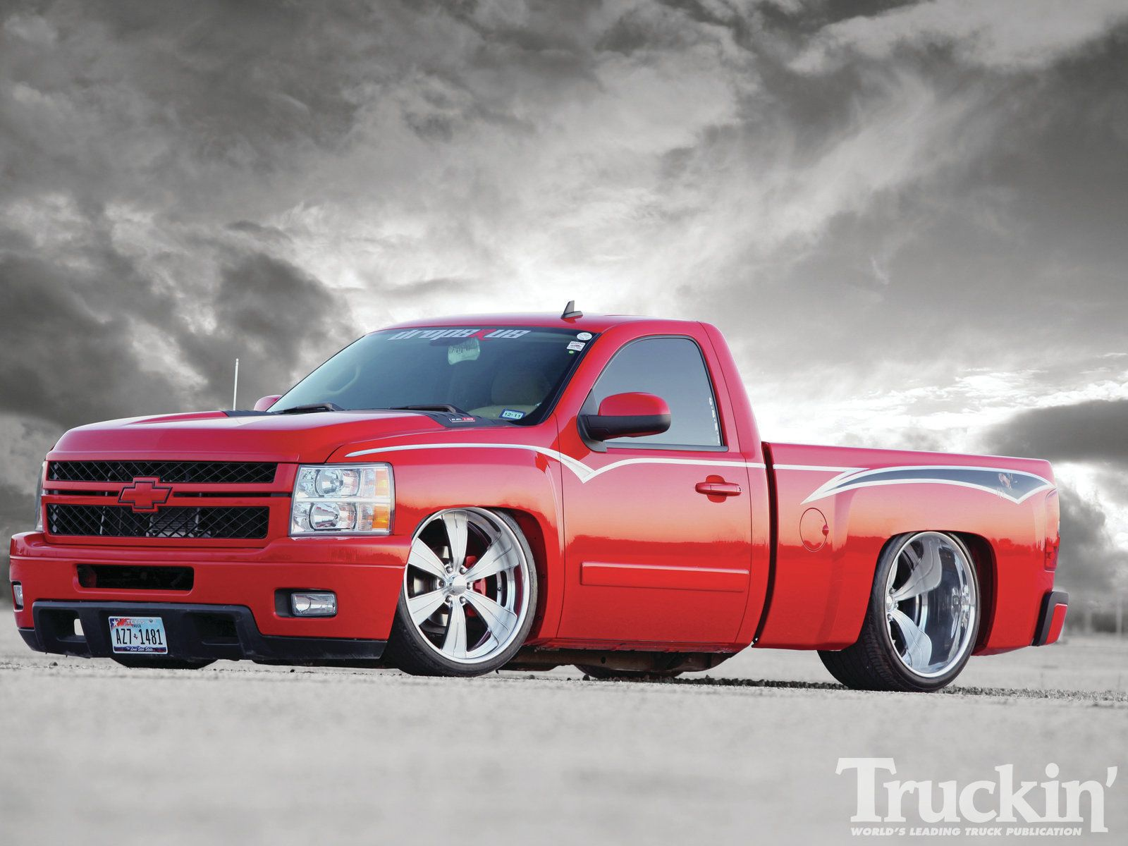 His Name Is Cloak And Dagger Definitely A Tough Look With The Front End Supporting A Hd Front Clip Single Cab Trucks Chevy Trucks Silverado Chevy