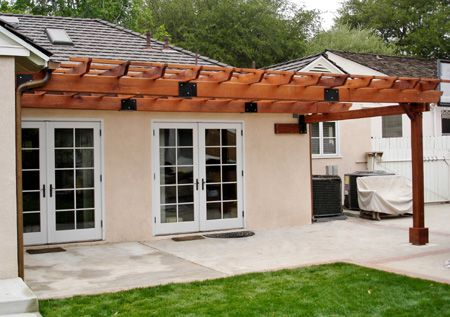 Home Dzine How To Build A Freestanding Or Wall Mounted Pergola Pergola Outdoor Pergola Pergola Designs