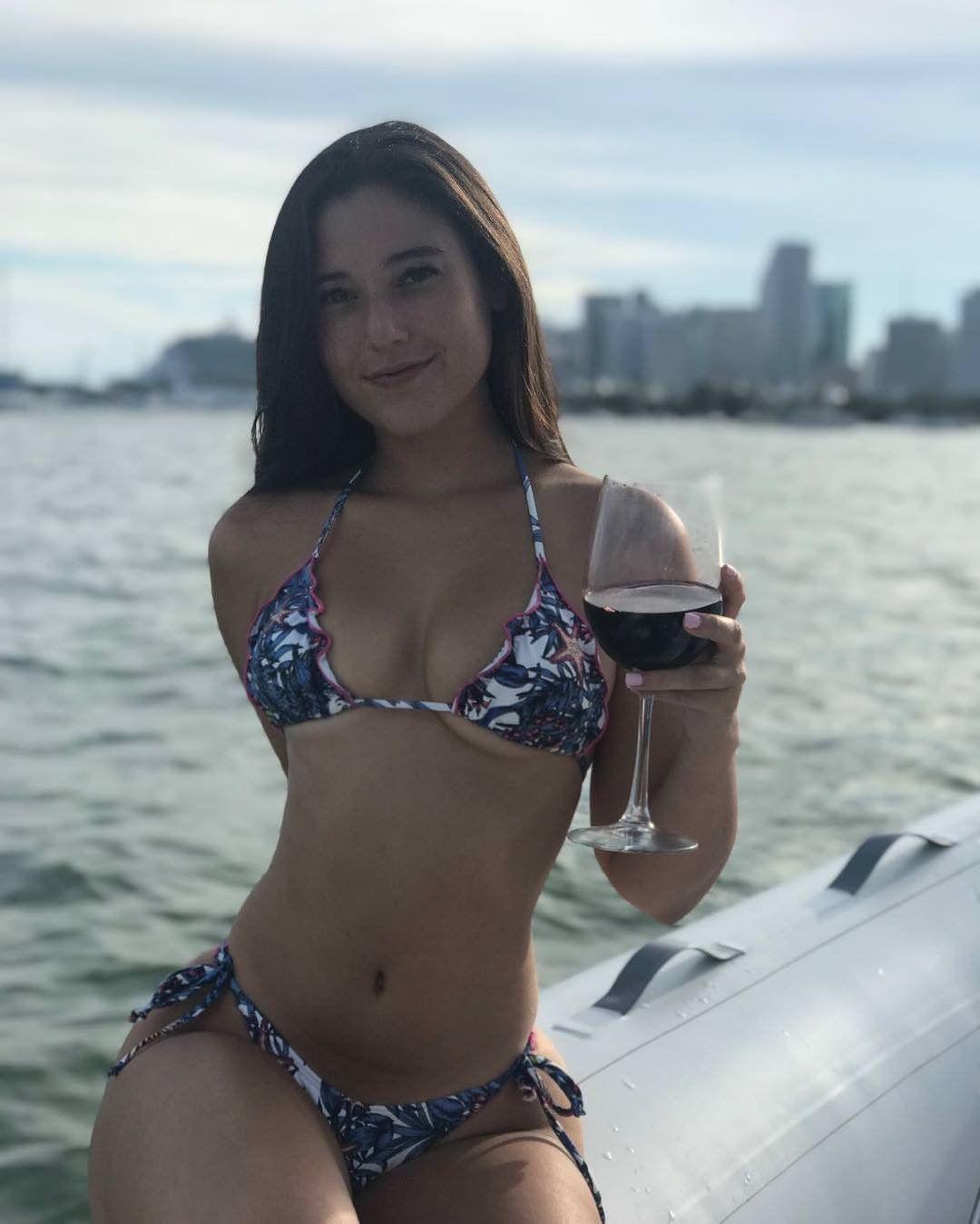 Angie Varona Sexy pinterest
