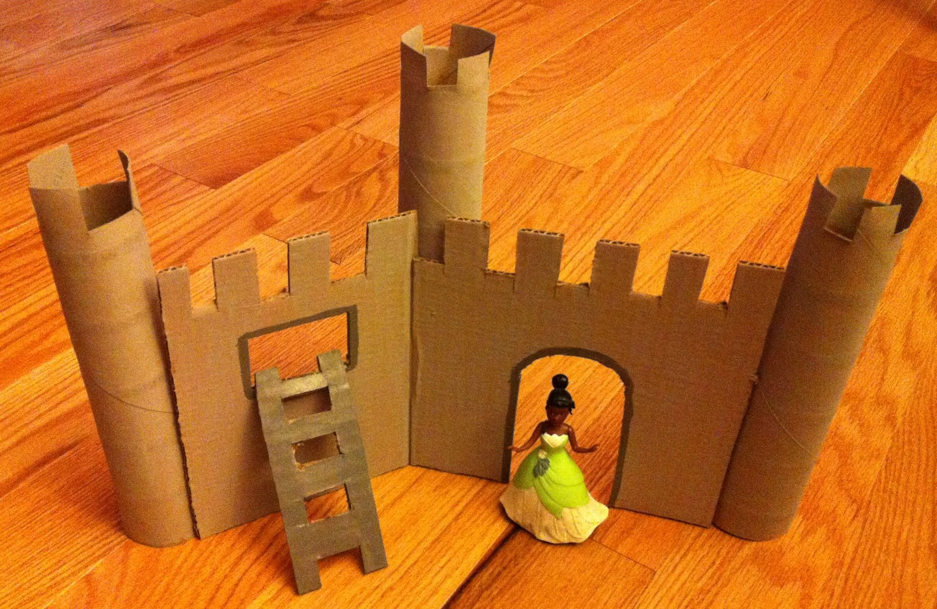 Castle made from flat pieces of cardboard and paper towel for Castle made out of cardboard
