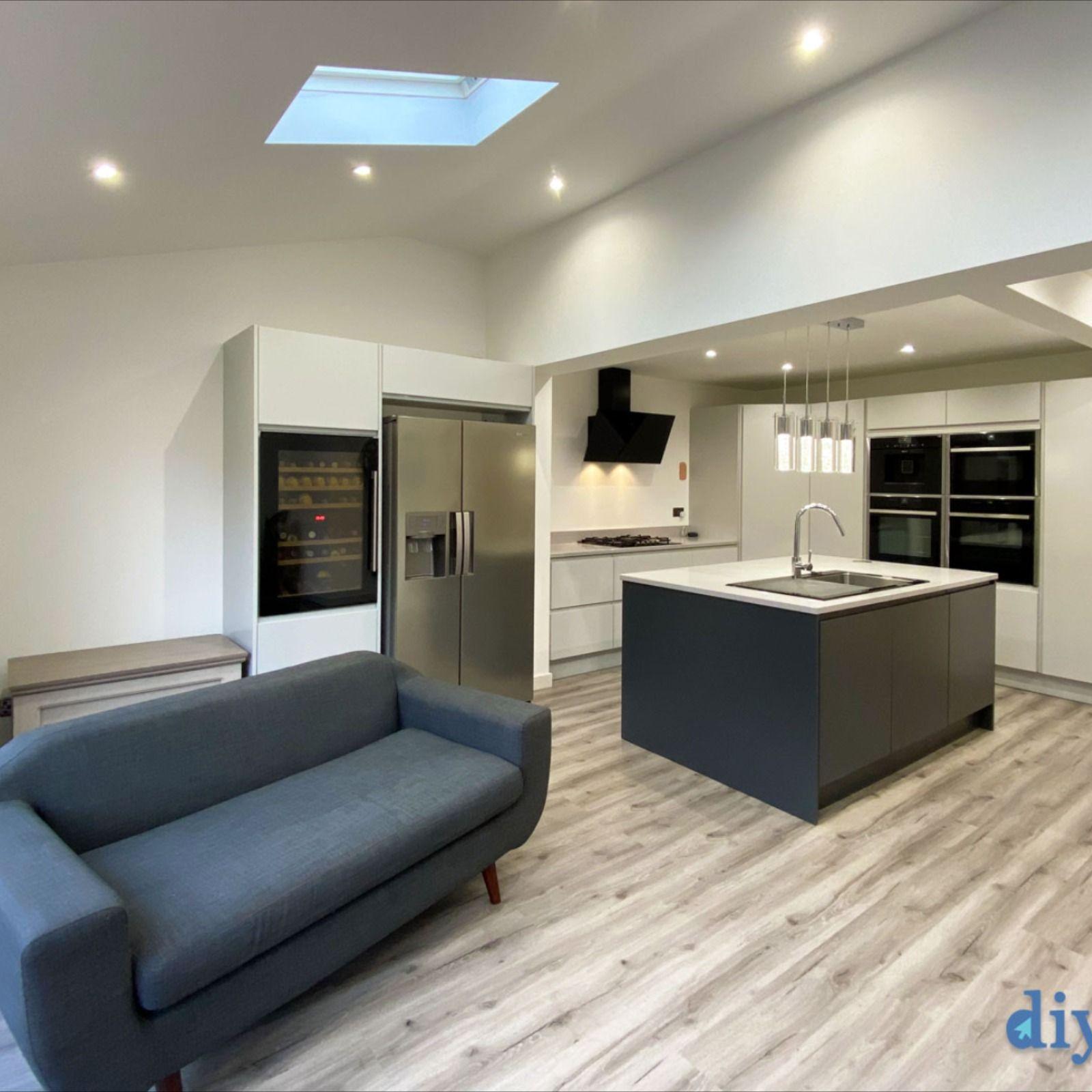 Best An Innova Luca Dove Grey Handleless Kitchen In 2020 400 x 300