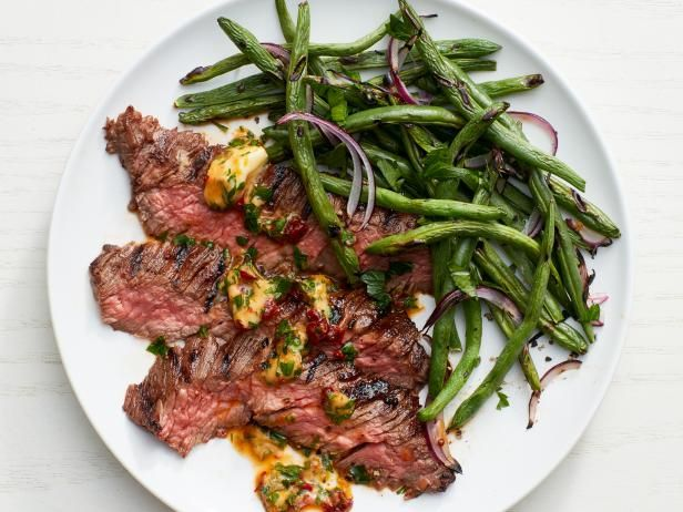 Chipotle Skirt Steak with Green Beans