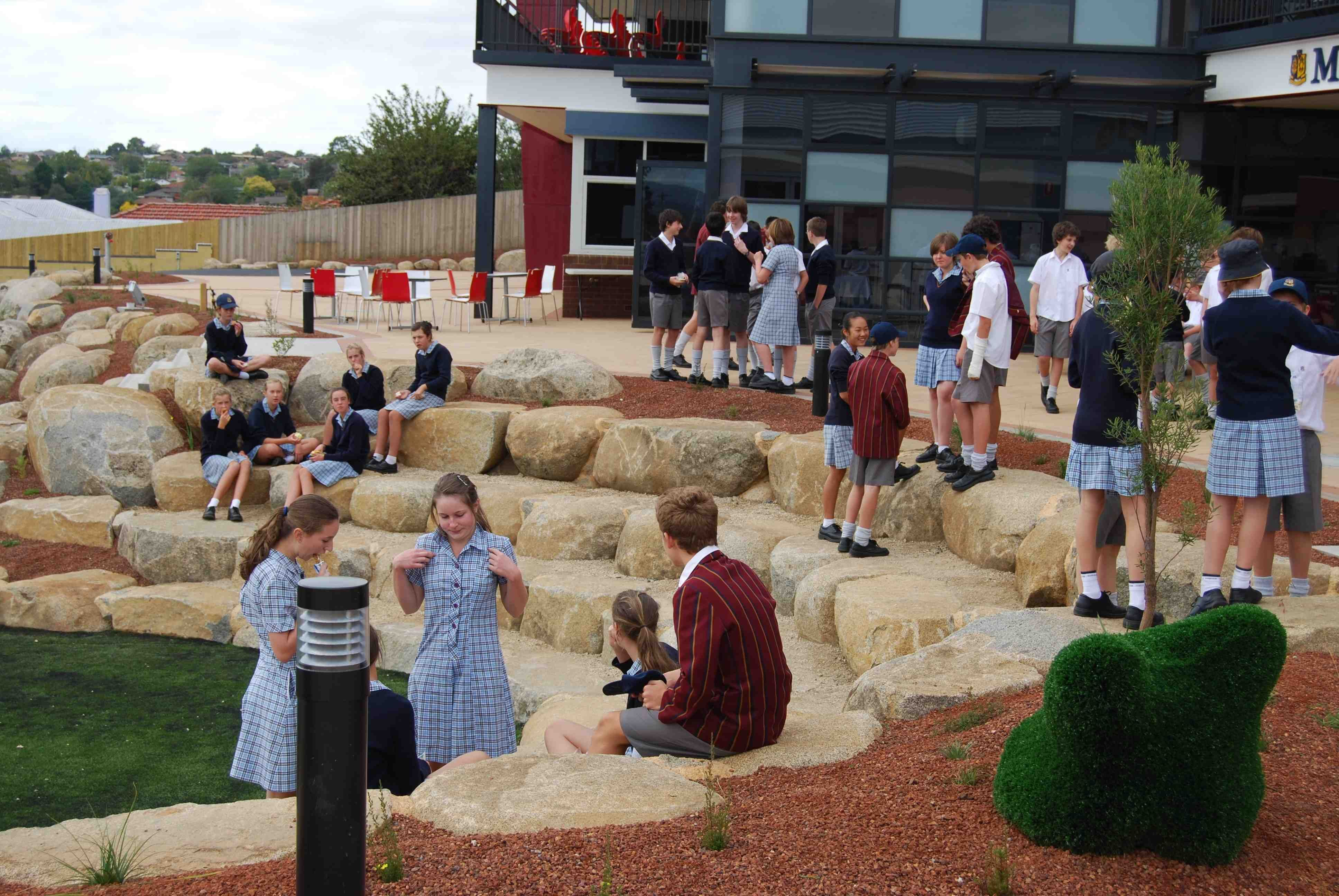 Collaborative Learning Outside Classroom : This is all great like the tables and chairs outside