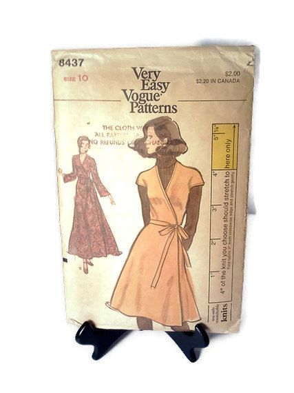 70s Vogue Pattern 8437 Wrap Dress Very Easy by WeeLambieVintage, $5.99