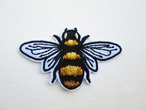 """FLYING BEE IRON ON PATCH 3.5/"""" Yellow Black Bumblebee Insect Embroidered Applique"""