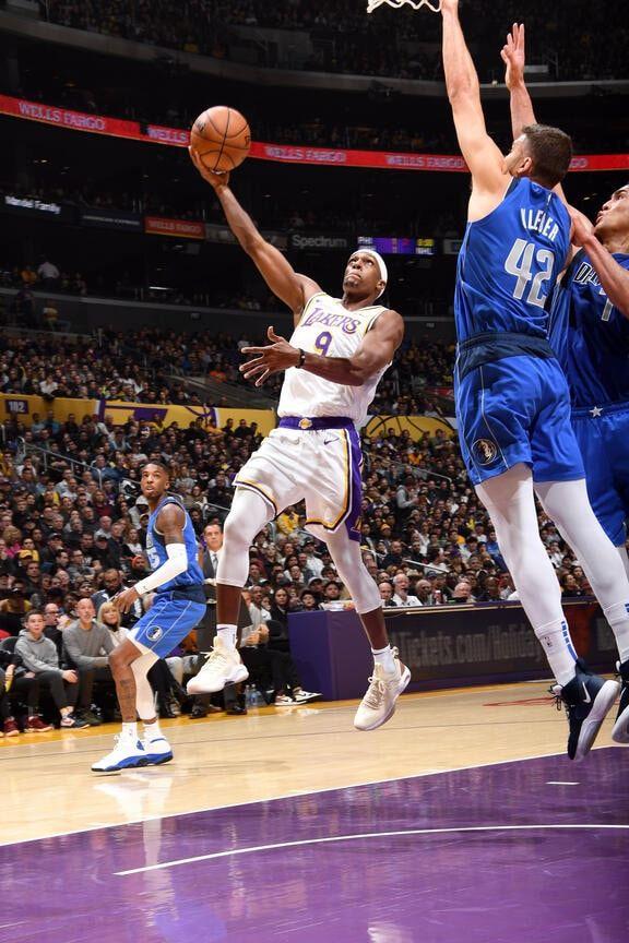Photos Lakers Vs Mavericks 12 29 2019 Los Angeles