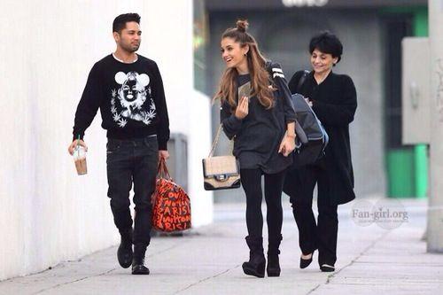 Ariana with mama Joan Grande and isaac