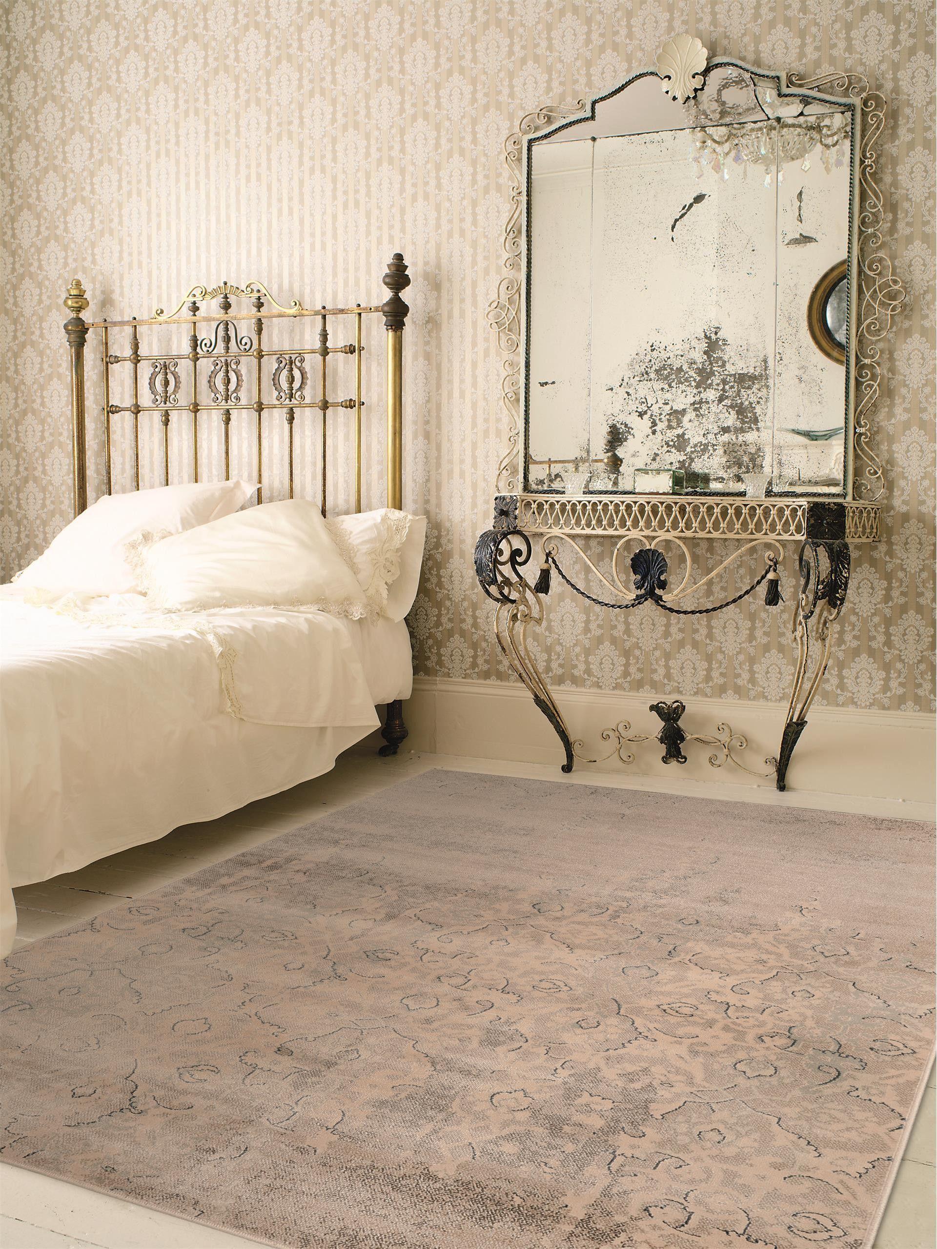 durch diesen used look ist der benuta. Black Bedroom Furniture Sets. Home Design Ideas