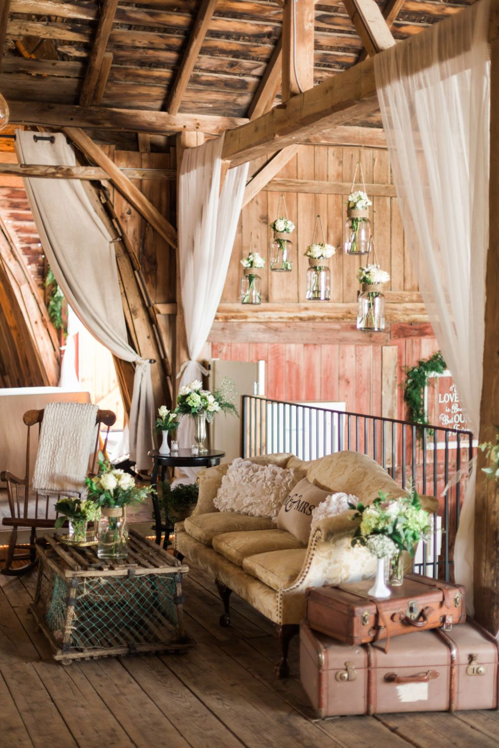This Restored A Barn So They Could Get Married In It this restored a barn so they could get married in