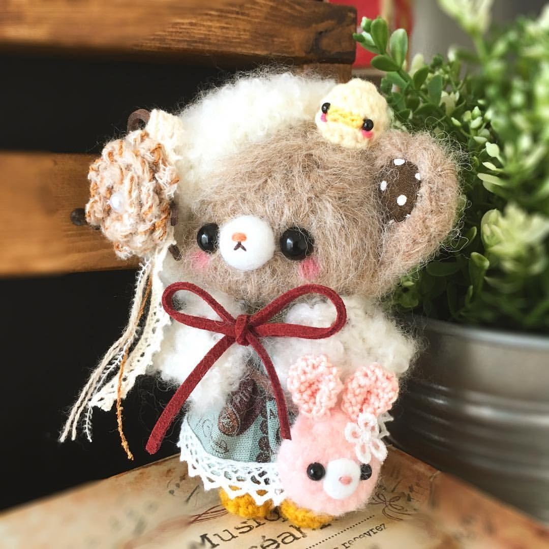 pocorogurumi instagram ふわふわベレー帽のくまちゃん 可愛く完成しました 今回はポシェットをうさぎちゃん にして みました w ちょっとレトロ カントリー な仕上がりに満足です インフルが流行ってきてますね 子どもも体調 クマ