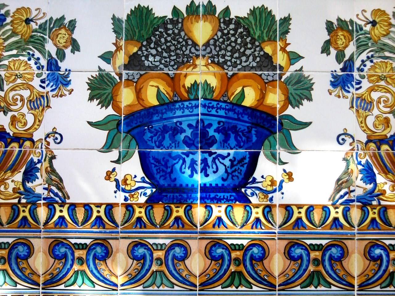 En la terraza de la Sala Vinçon de Barcelona hay unos mosaicos ...