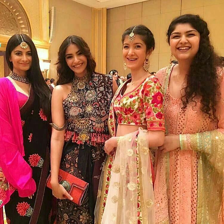 #SiblingGoals: Kapoor sisters Sonam Kapoor Rhea Kapoor Shanaya Kapoor and Anshula Kapoor at their cousin Akshay Marwah's wedding. @filmywave  #SonamKapoor #RheaKapoor #AnshulaKapoor #ShanayaKapoor #AkshayMarwah #kapoors #celebrity #bollywood #bollywoodactress #bollywoodactor #actor #actress #star #fashion #glamorous #hot #love #beauty #instalike #instacomment #filmywave