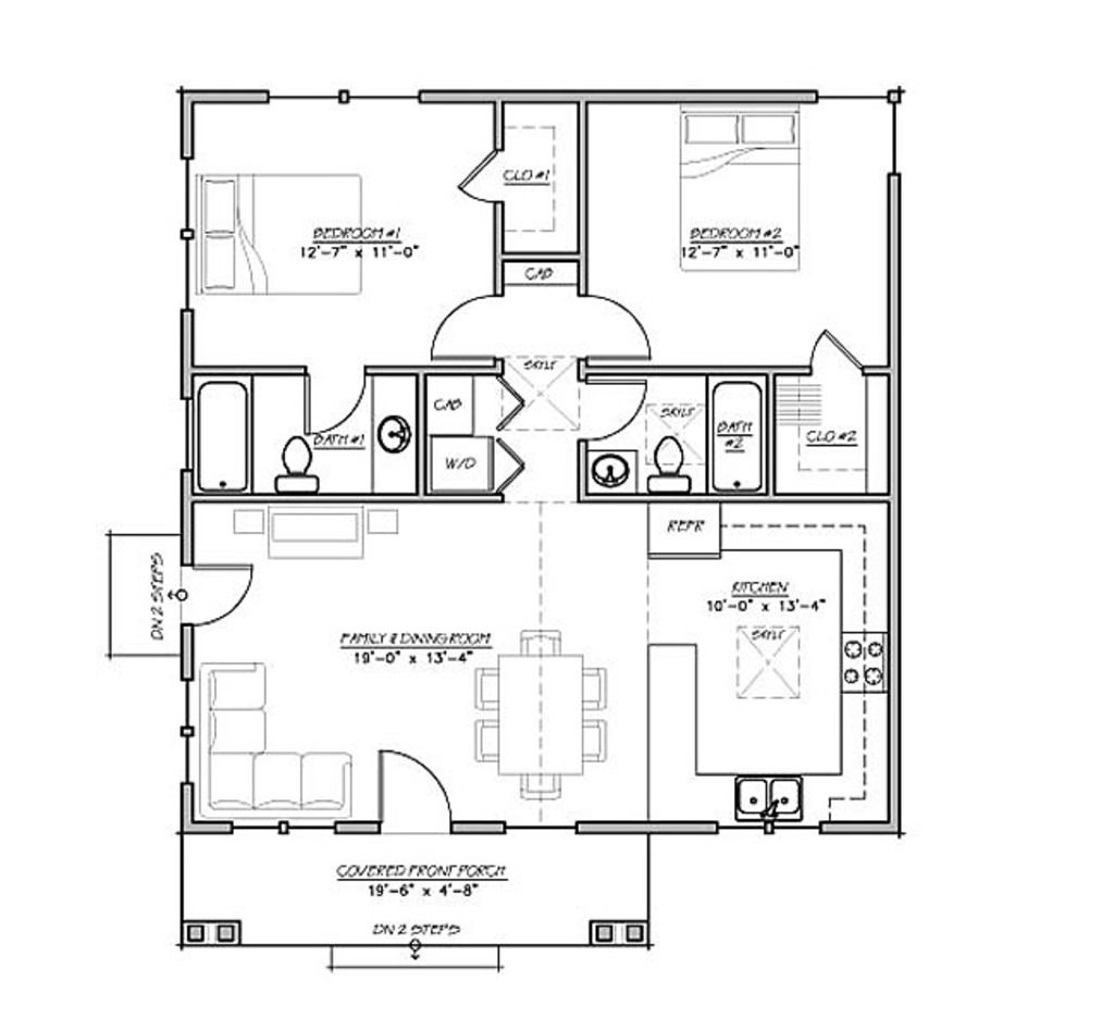 930 sq ft, 2 bedrooms of equal size, 2 bath. Eliminate en