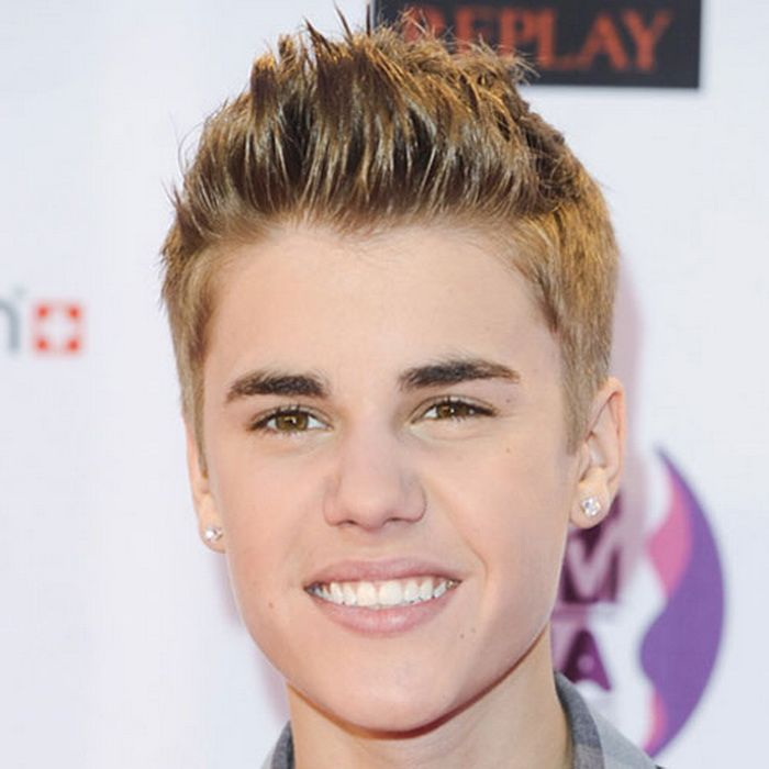 Kurze Seiten Chaotisch Textured Pinsel Up Justin Bieber Frisur