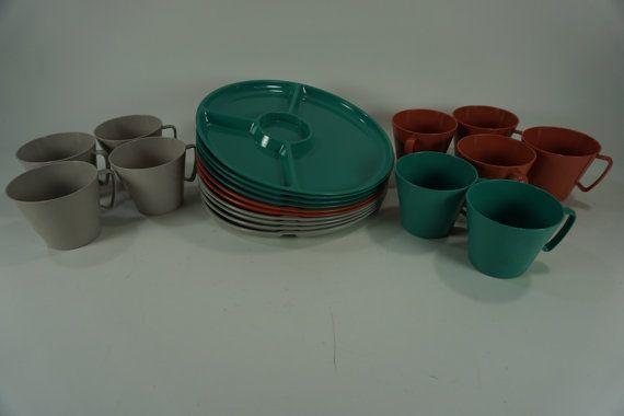 Sterilite United Plastic Corp Dishes Vintage Plastic Cups and Plates Garden Pool & Sterilite United Plastic Corp Dishes Vintage Plastic Cups and ...