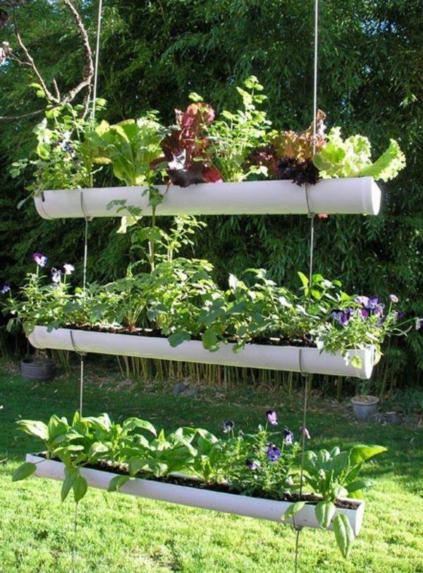 selbstgemachtegartendeko- drei etagen-mit-pflanzen - kreative - gemusegarten anlegen ideen