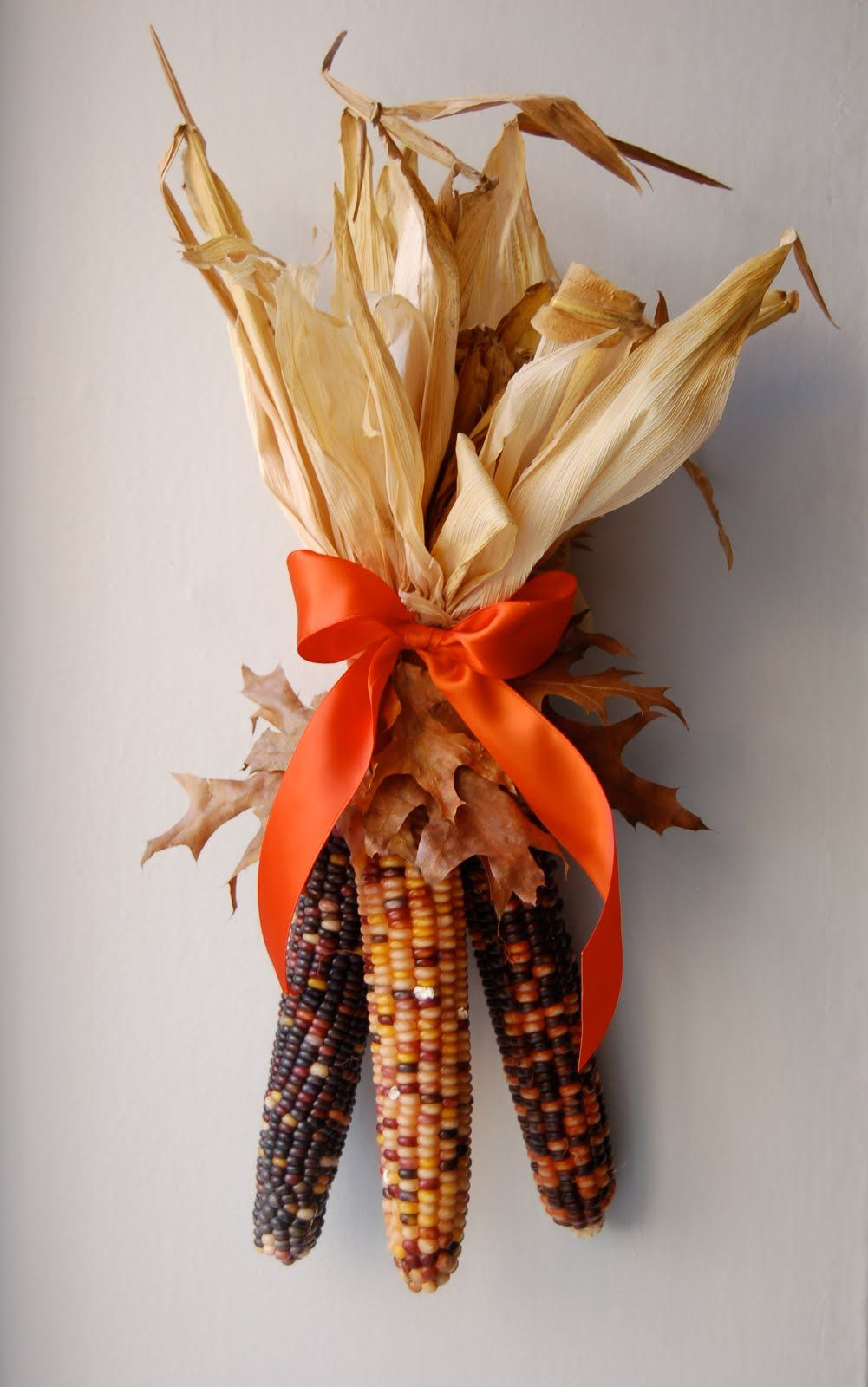 Nothing says Autumn and Thanksgiving more than Indian corn. This INDIAN CORN  DECORATION you can hang on your door or wall and only takes a few minutes  to ...