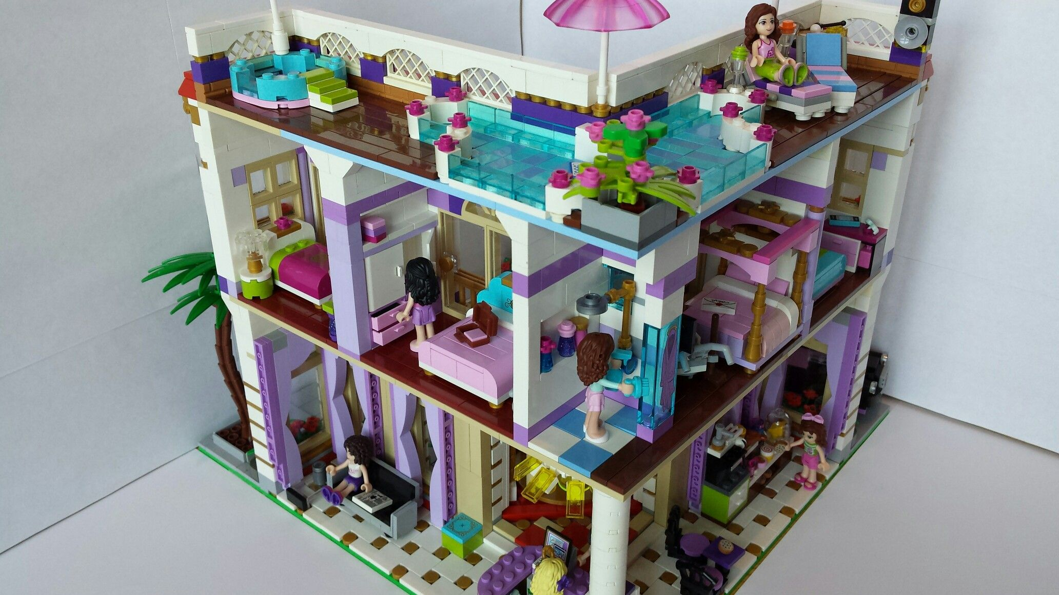 Lego Friends Hotel Inside View Of Grand Pearl Hotel Pearls Hotel Lego Friends Lego