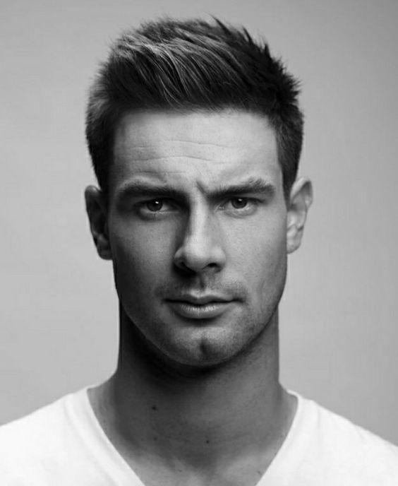 50 Stylish Short Hairstyle For Men Royal Fashionist In 2020 Herren Haarschnitt Frisuren Frisur Geheimratsecken