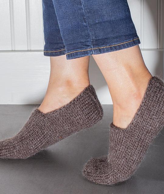 Ravelry: Chunky Slipper Socks pattern by Churchmouse Yarns ...