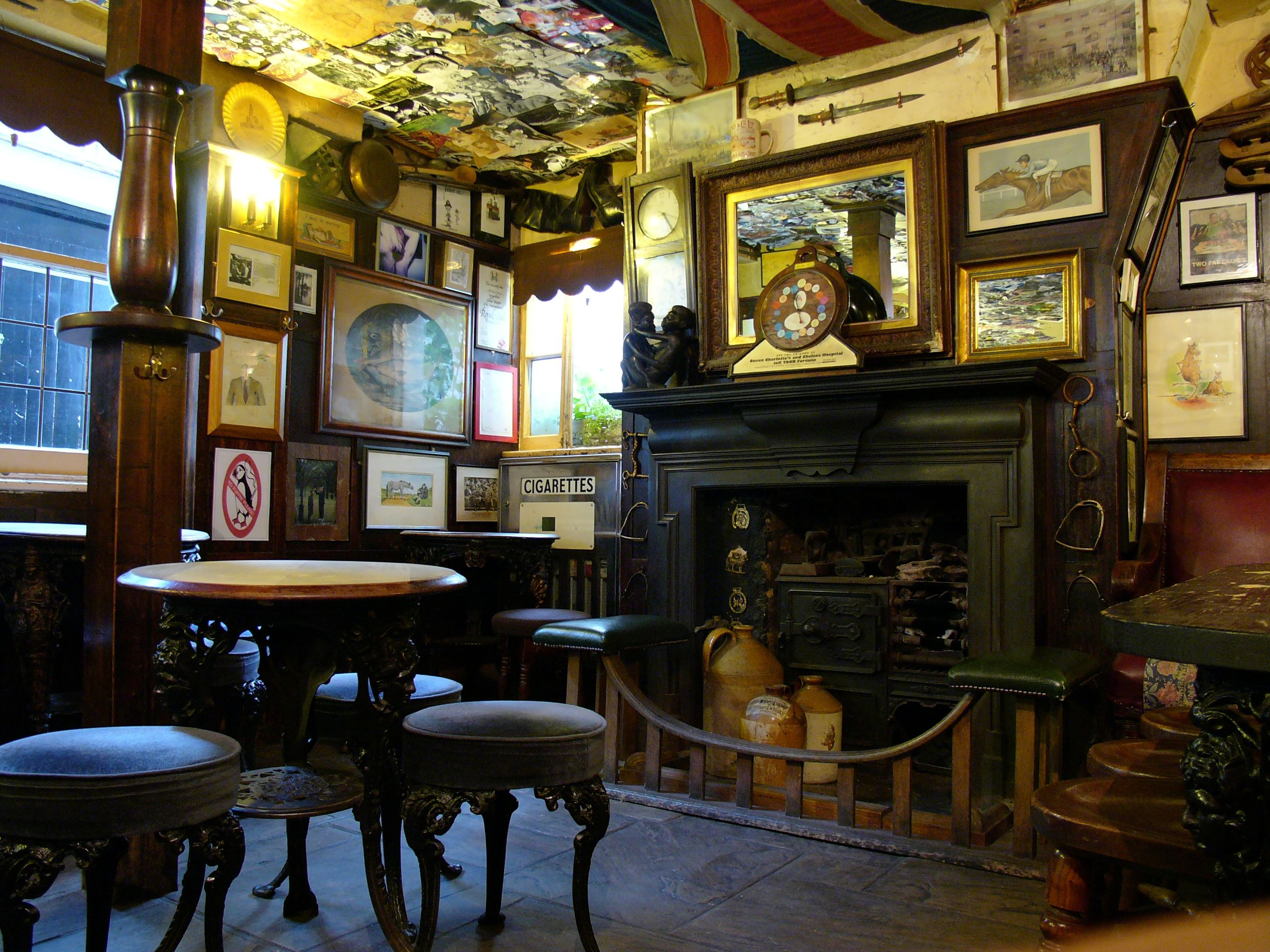 The Nags Head Belgravia One Of My Favourite Pubs Tucked
