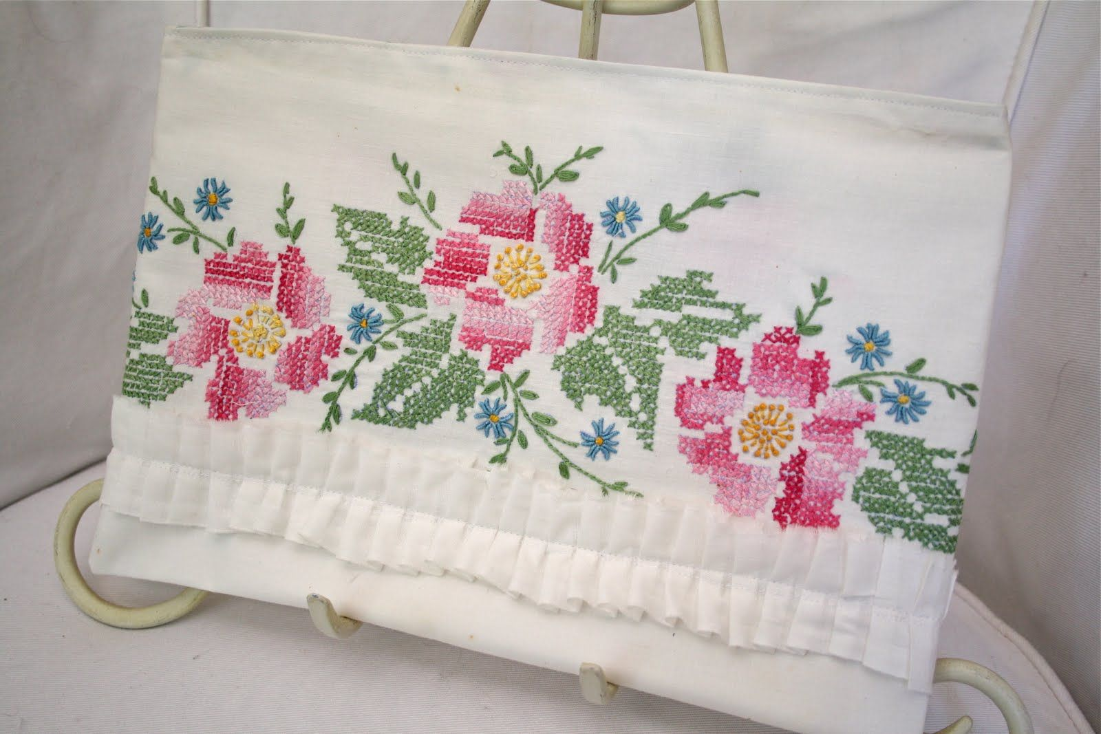 Bed sheet designs hand embroidery - Hand Embroidery Designs For Bed Sheets H Ada Googlom