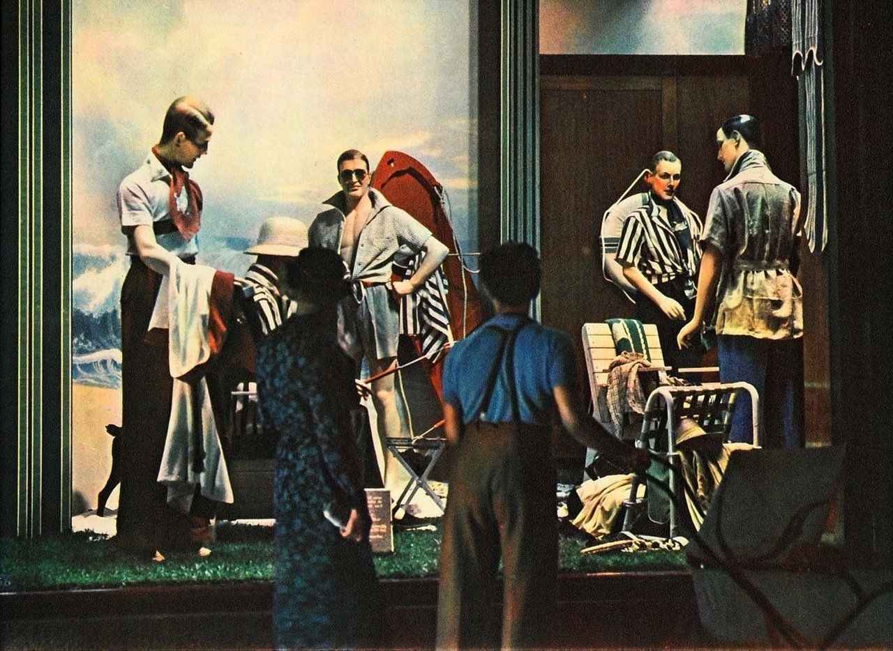 Window Shopping Marshall Field 1936 Chicago. Chicago Fashion Outfits
