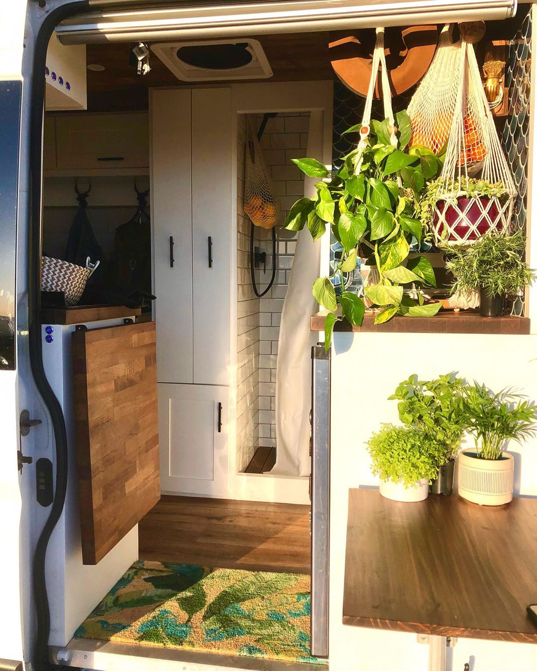 Photo of This Promaster VAN Tiny House has EVERYTHING! Kitchen, Roof Deck & Bathroom!