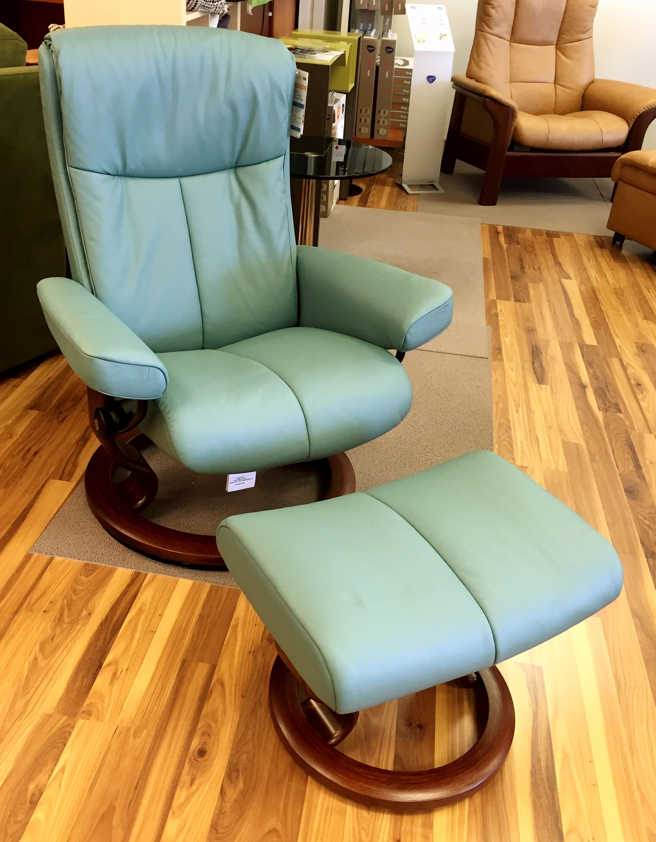 ekornes stressless peace recliner ottoman in paloma aqua green with brown stain base. Black Bedroom Furniture Sets. Home Design Ideas