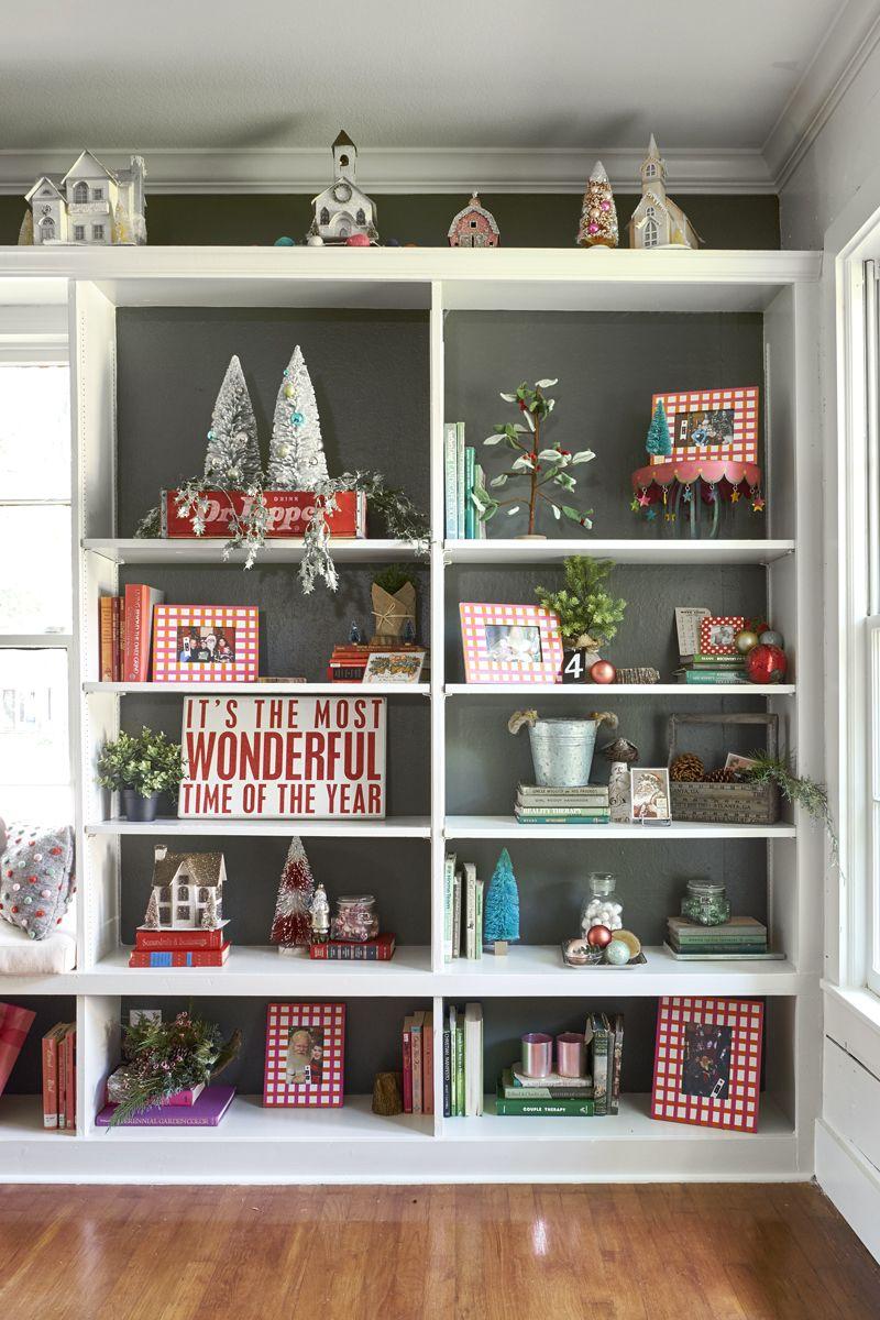 Dallas Designer Christmas Putz Houses Staging Bookshelves Can Be Tricky Tip Christmas Bookshelf Christmas Decorations Living Room Dollar Tree Christmas Decor