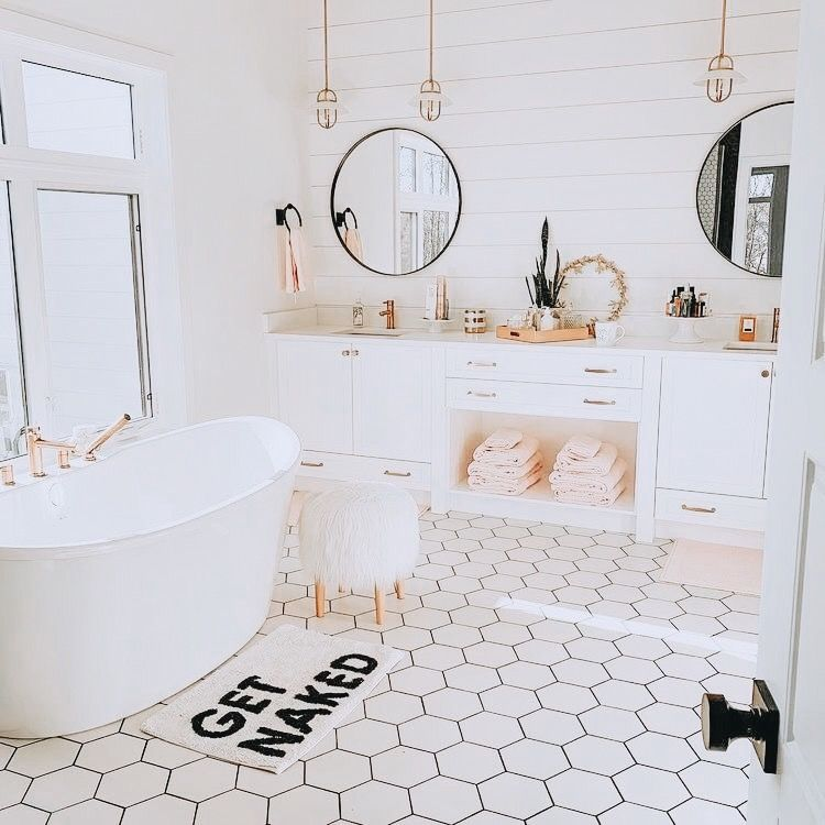 Pin By Stacy Anne On Home Modern Vintage Bathroom Modern Master Bathroom Bathroom Interior