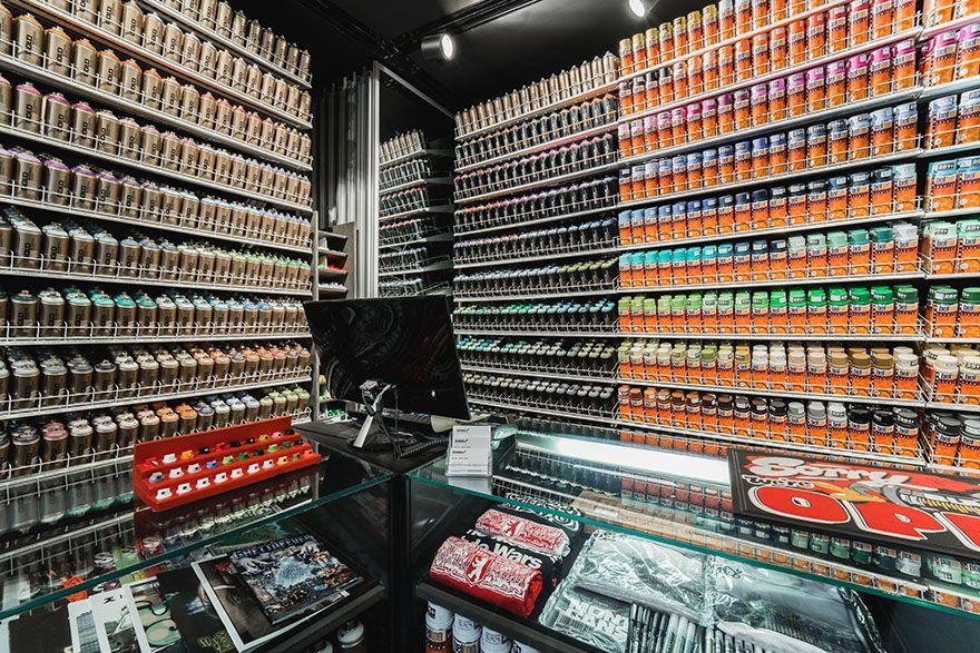 The Stores OVERKILL Berlin Sneaker, Wear & Graffiti