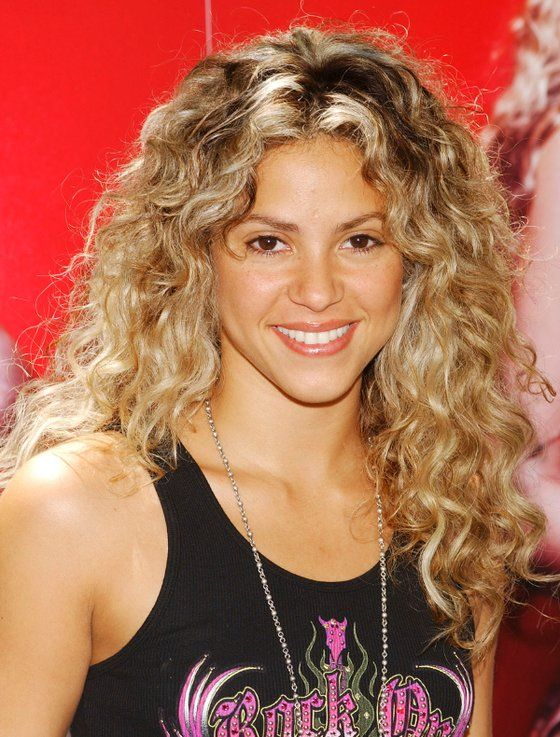 10++ Celebrities with naturally curly hair inspirations