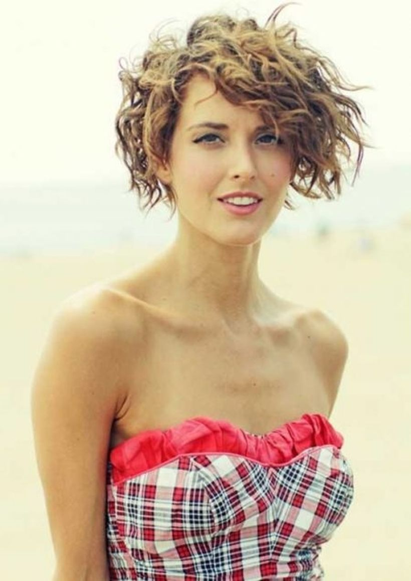 100 Beautiful Curly Layered Haircut Hairstyle Ideas in 2020 | Short curly  haircuts, Curly hair styles, Short hair styles for round faces