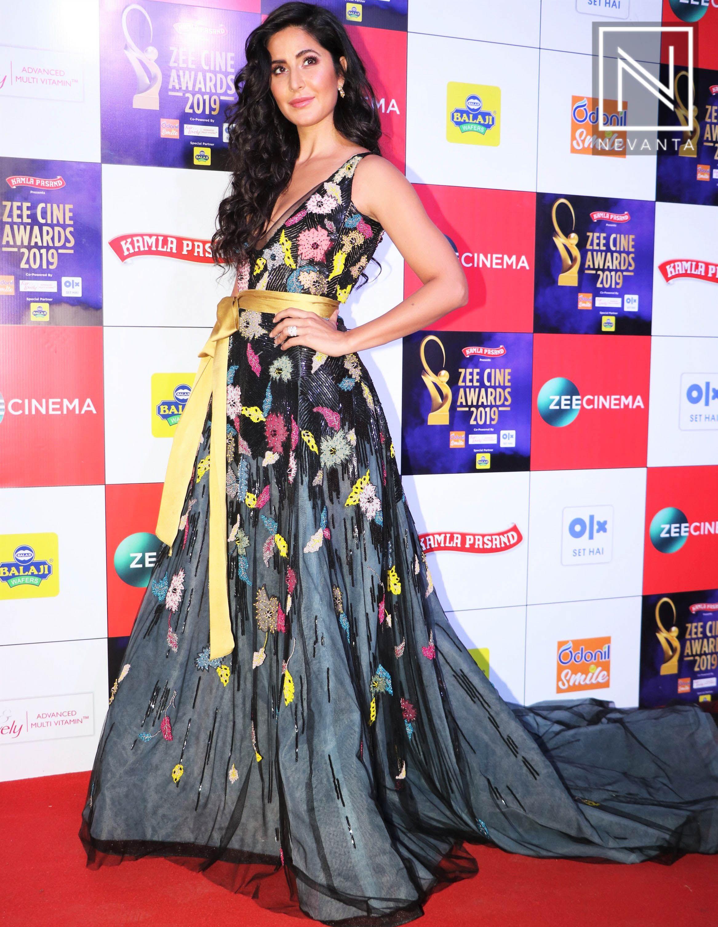 Katrina Kaif Zee Cine Awards 2019 Bollywood Fashion Gowns Red Saree Blouse