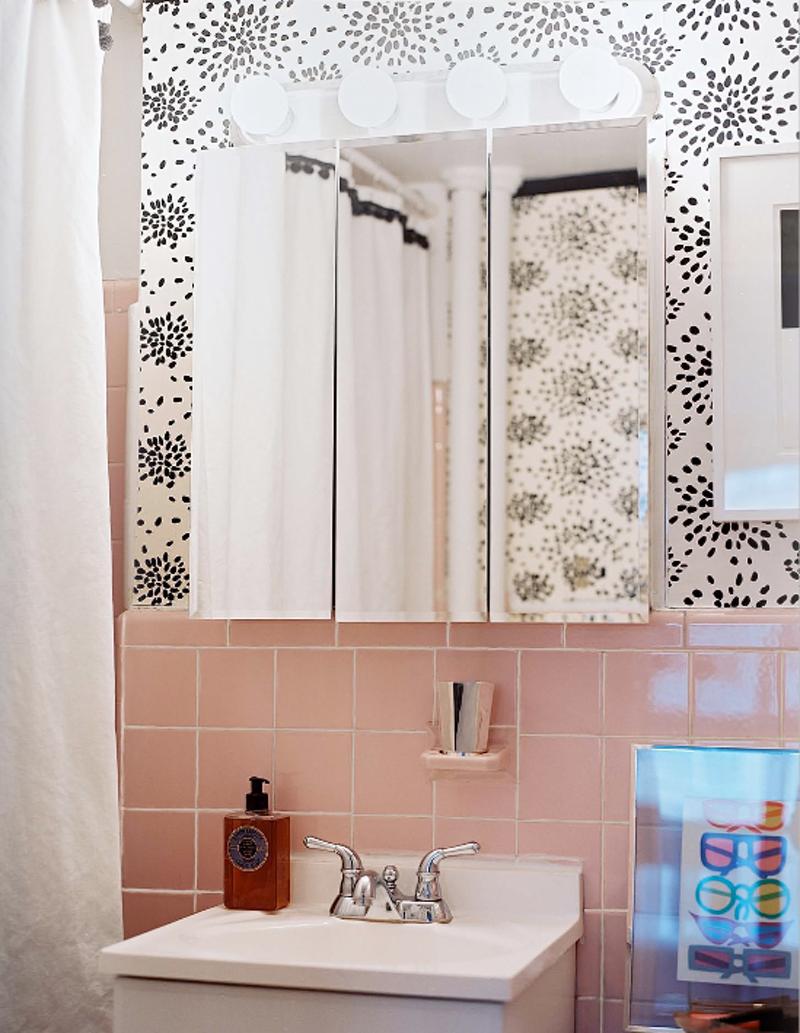 Working The Vintage Bathroom Tile Home Reno Pinterest