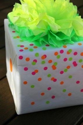 DIY Neon Confetti Gift Wrap Regalitos, Empaques y Envoltura de regalos - envoltura de regalos originales