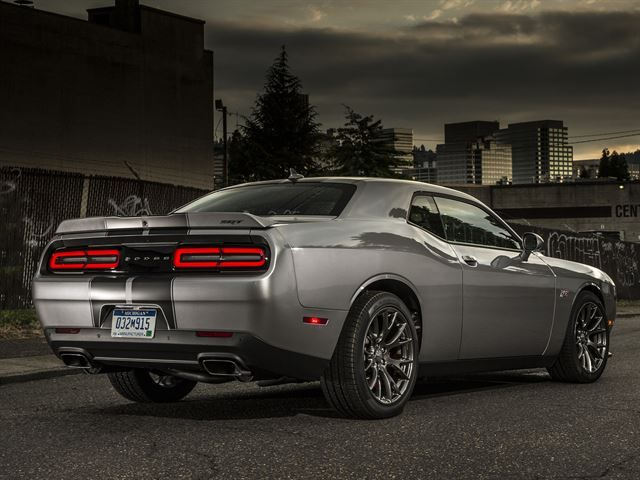 2015 Dodge Challenger SRT Hellcat Price and Specs | Cool Driving ...