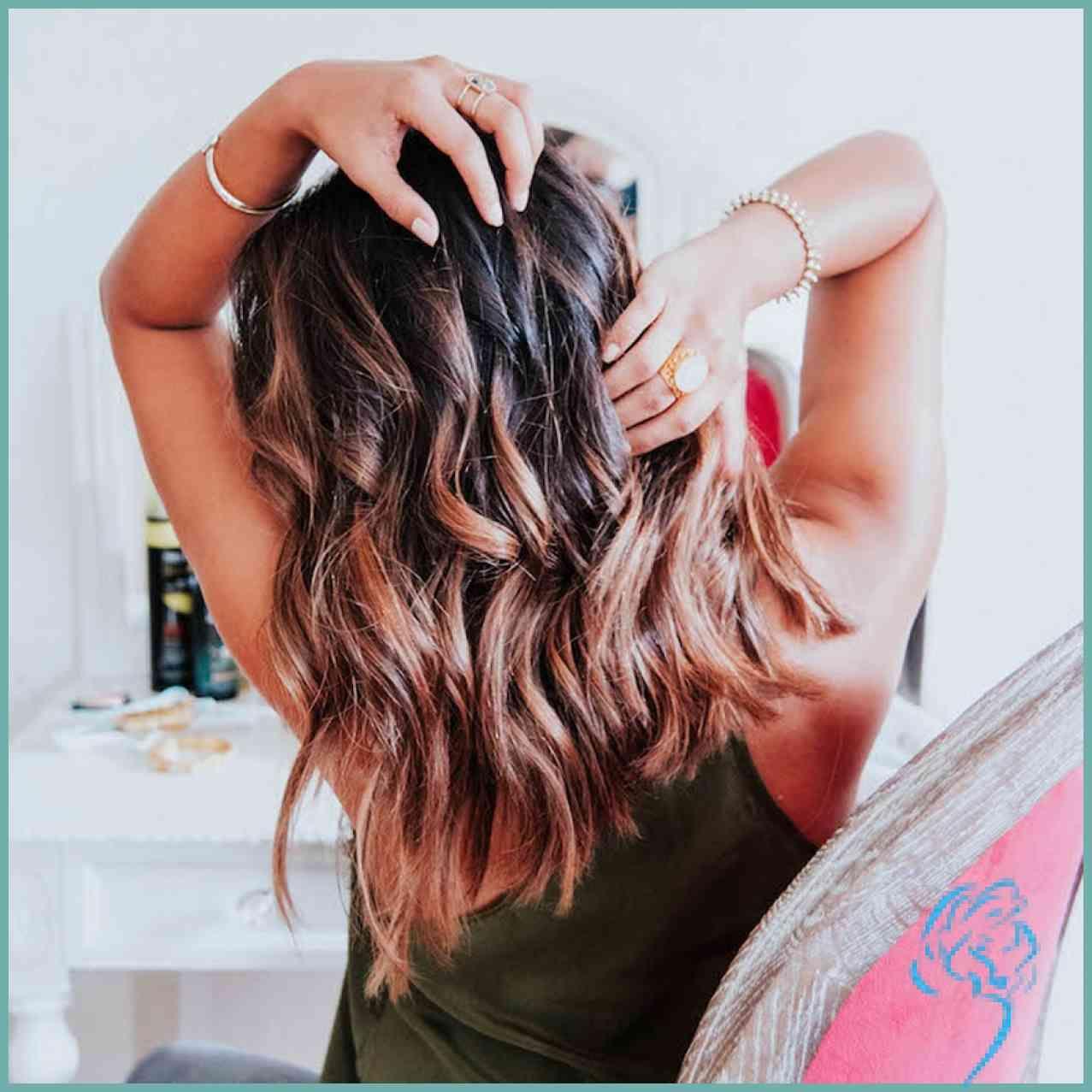 Beach Waves Selber Machen 5 Diy Methoden Fur Welliges Haar Damen Frisuren Mit Bildern Frisuren Welliges Haar Mittellanges Haar Wellen