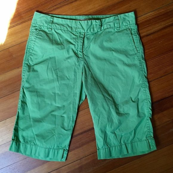 """J. Crew City Fit Chino Bermuda Shorts Nice and soft, worn in just the right amount. Very good condition. Leafy green. 10"""" inseam. City Fit. (Sorry about those wrinkles!! 😁) J. Crew Shorts Bermudas"""